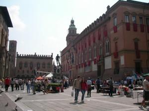 市民の憩いの場・マッジョーレ広場