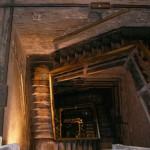 斜塔の中の階段
