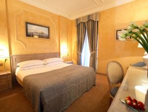 ナポリ ホテル STARHOTEL TERMINUS