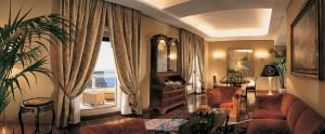 ナポリ ホテル GRAND VESUVIO