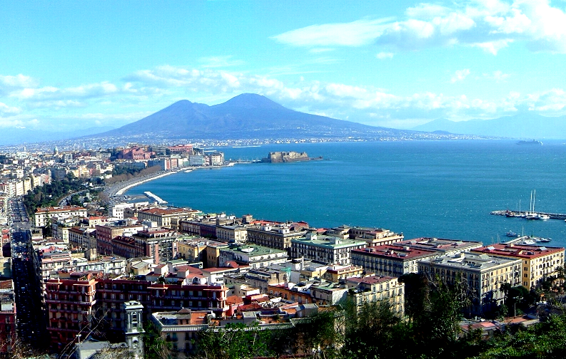 """Napoli6"". Con licenza Public domain tramite Wikimedia Commons - http://commons.wikimedia.org/wiki/File:Napoli6.png#mediaviewer/File:Napoli6.png"