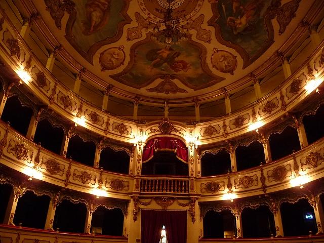 ブッセート歌劇場