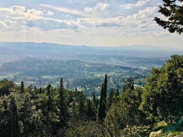 チェチェリ山からの眺め